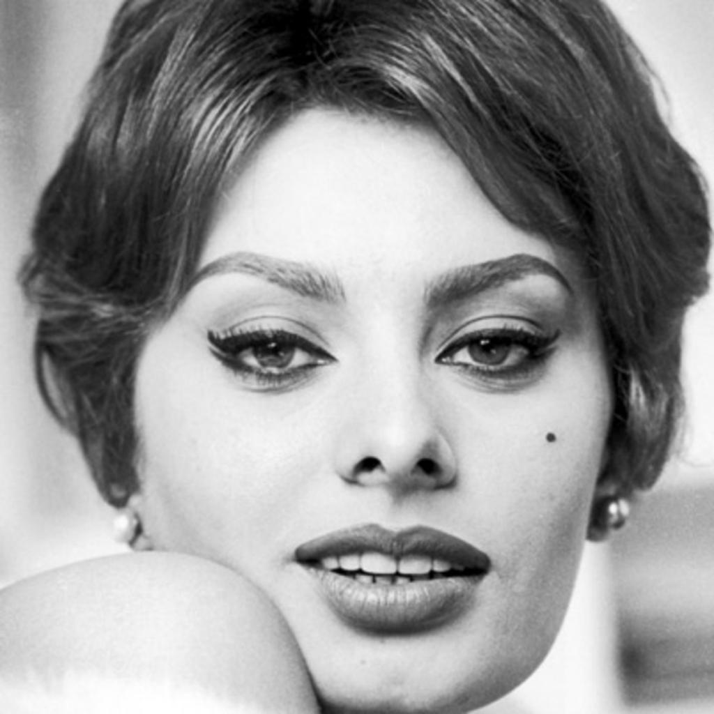 زندگینامه (بیوگرافی) سوفیا لورن ستاره سینمای ایتالیا و هالیوود