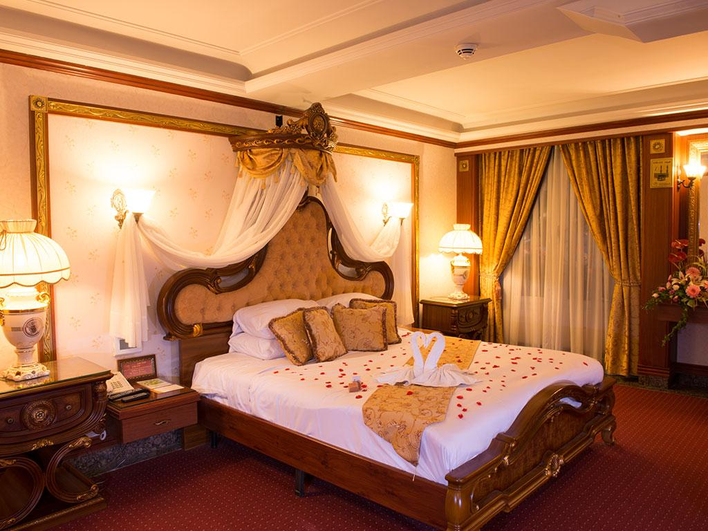 hotel ghasr talaee mashhad
