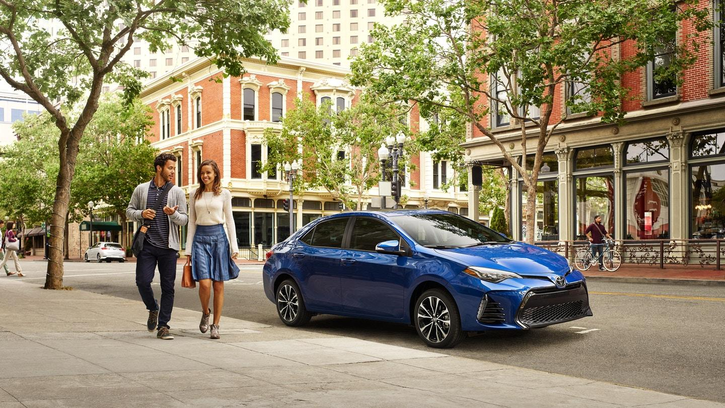 2019 Toyota Corolla pictures photo gallery i
