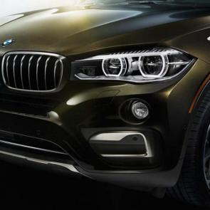 The BMW X6 xDrive50i with Adaptive LED Headlights for low and high beam