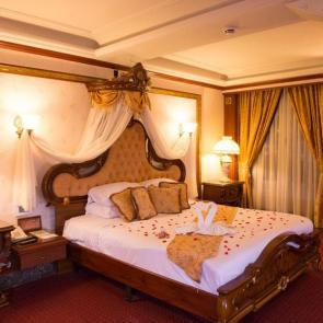 هتل 5 ستاره قصر طلایی مشهد