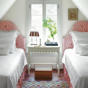 زیباترین ایدهها برای دکوراسیون اتاق خوابهای کوچک #1