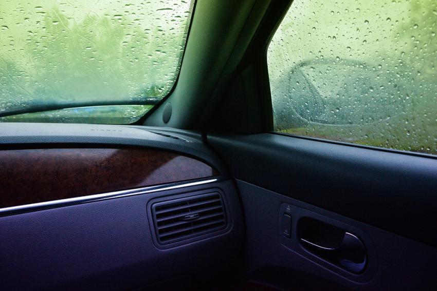 رفع بخار شیشه ماشین و درون خودرو