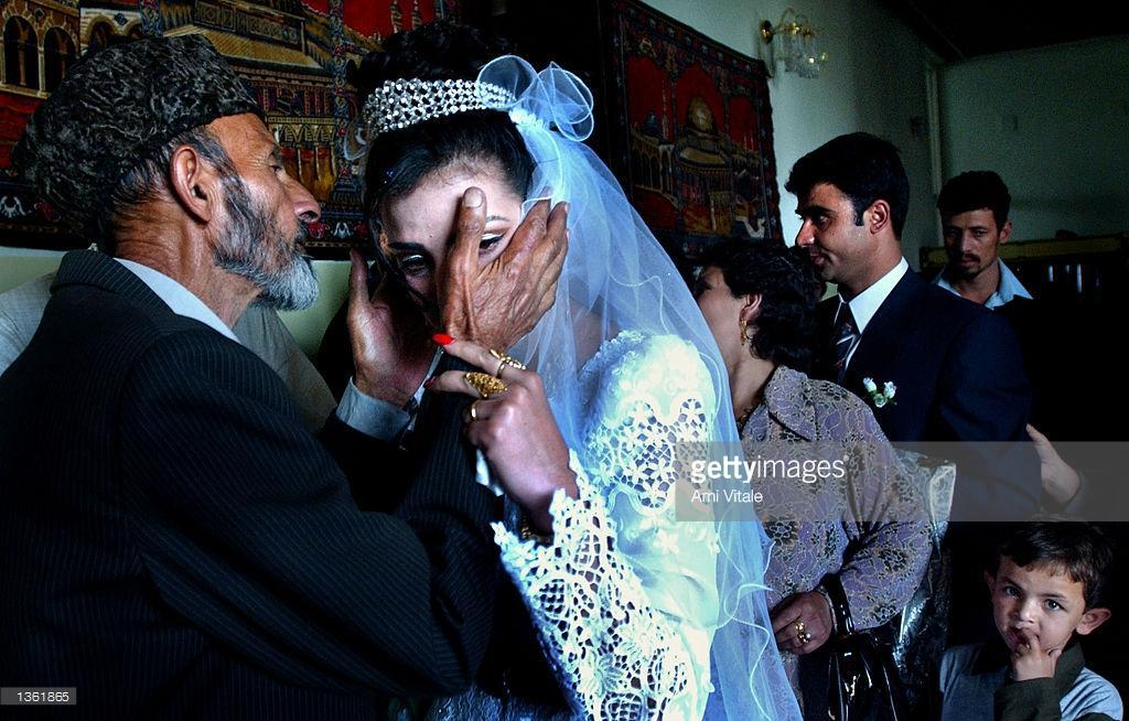شلیک اشتباهی تیم حفاظتی یک مقام افغان، باعث مرگ یک عروس شد