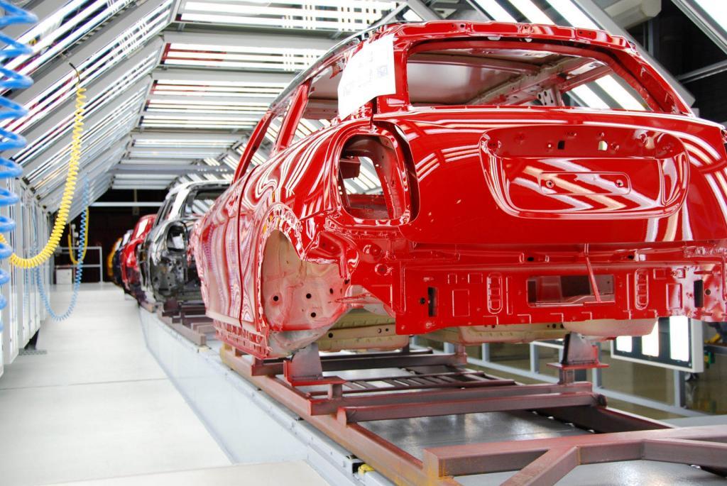 خودروها در کارخانه چگونه رنگ آمیزی می شوند؟ | فـایـنـدز