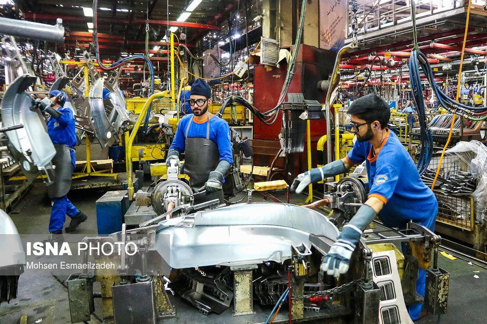 گزارش تصویری از کارخانه ایران خودرو در مشهد