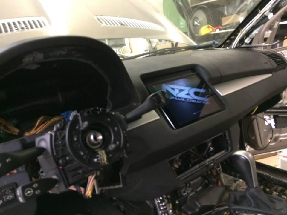 شاسی بلند BMW با 6 چرخ و پر از بلندگو!!