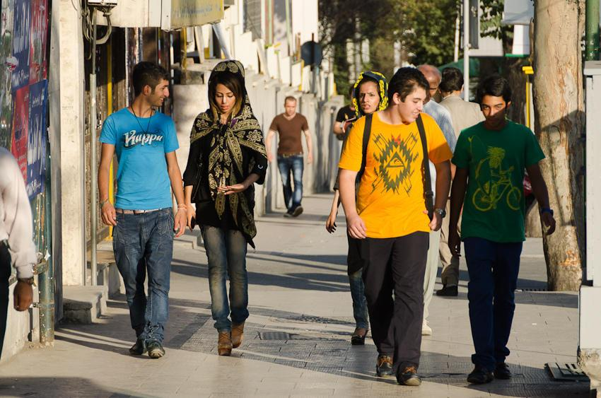 جزئیات متلاشی شدن یک باند بزرگ قاچاق دختران تهرانی!