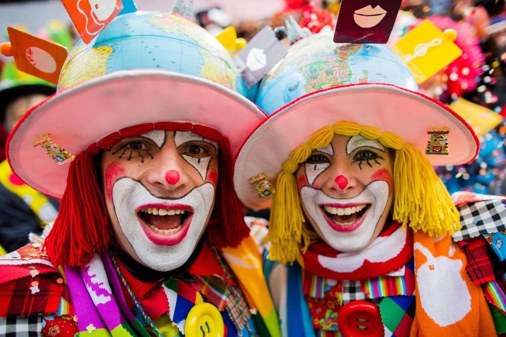 تصاویری دیدنی از مراسم کارناوال در شهرهای مختلف آلمان را تماشا کنید