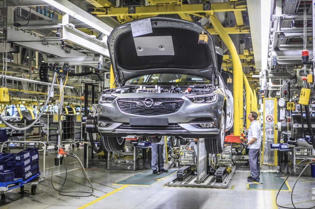 شاسی بلند بزرگ شرکت اوپل سال آینده به بازار می آید + تحول اساسی در شرکت Opel