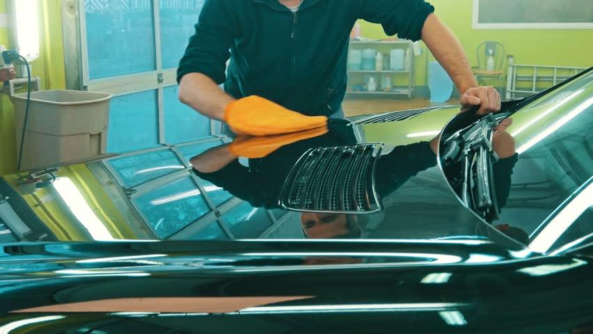 شستشوی بدنه اتومبیل