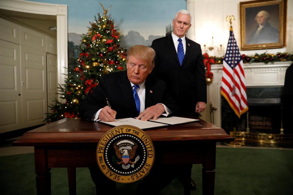 ترامپ، آتش نفرت مسلمانان را شعلهور کرد / بیت المقدس رسماً پایتخت اسرائیل شناخته شد
