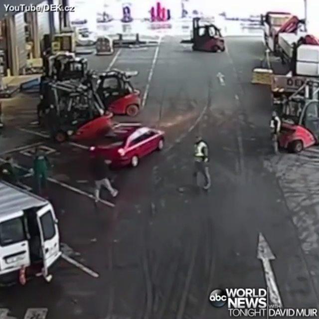 ویدیویی از دستگیری یک دزد با چند دستگاه لیفتراک را ببینید