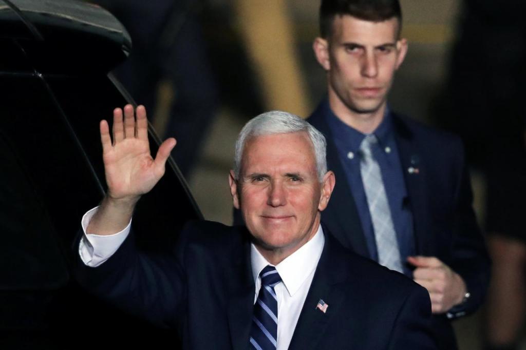 تنش در لحظه سخنرانی مایک پنس، معاون دونالد ترامپ / نماینده عرب اسرائیل اخراج شد