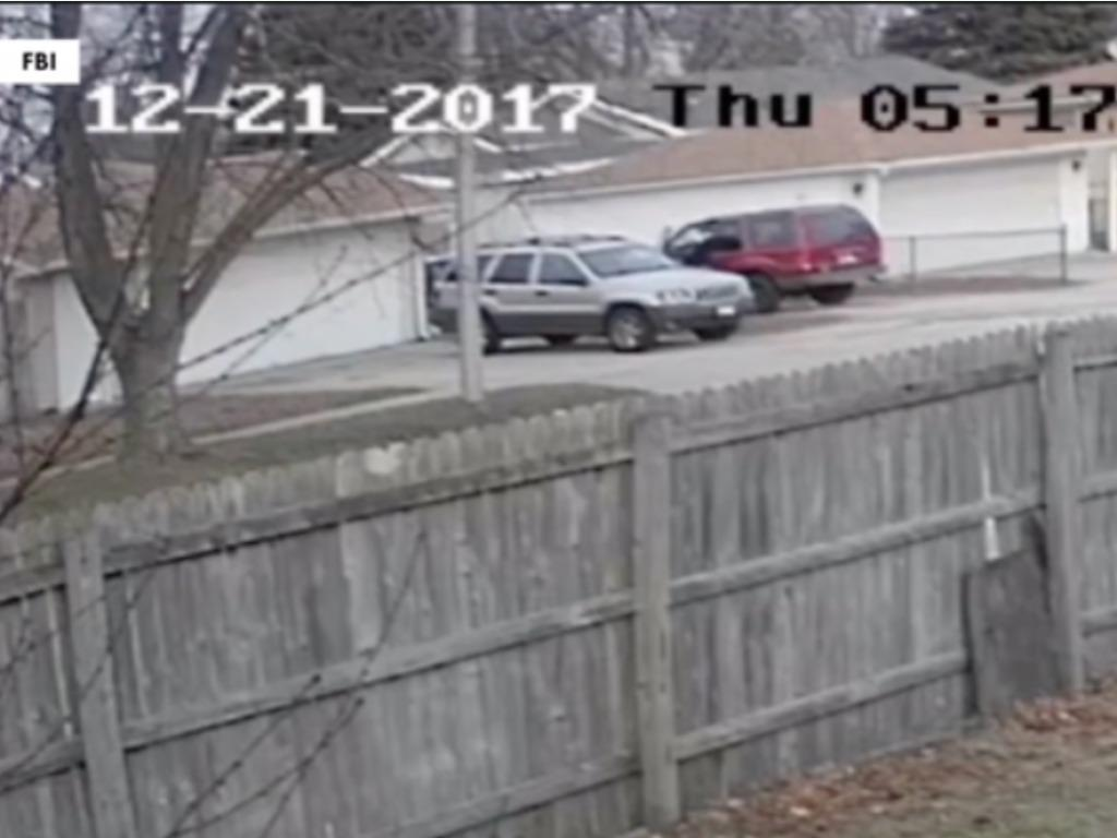 لحظه دزدیده شدن یک دختر توسط مرد آمریکایی را ببینید!