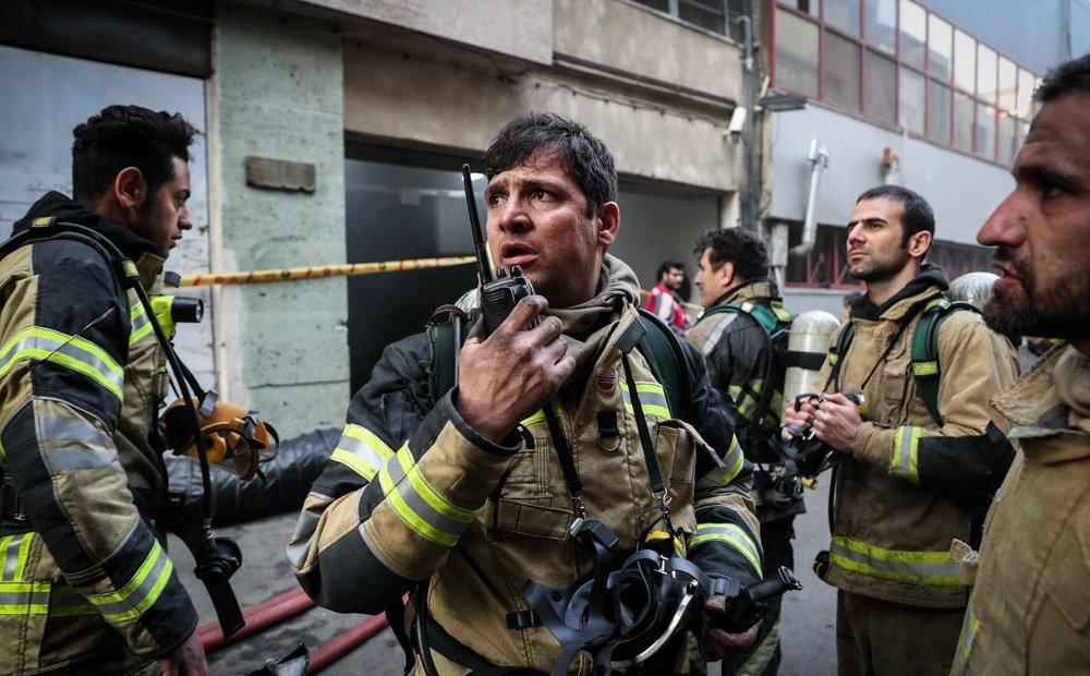 چرا ساختمان وزارت نیرو آتش گرفت؟ / آتش سوزی مشکوک در اتاق اسناد رخ داد
