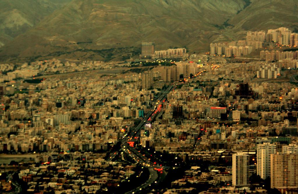 ارزانترین آپارتمانهای نوساز در سعادت آباد تهران