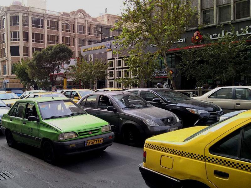 موبایل دزدی در قالب نماینده تاکسی اینترنتی!