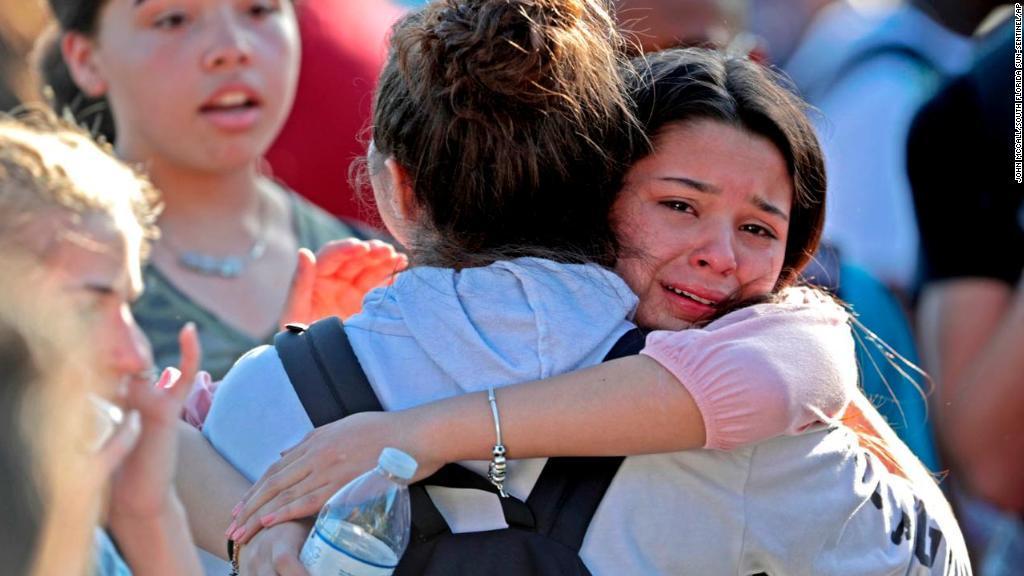 ویدیوی تیراندازی مرگبار در یکی از دبیرستانهای فلوریدا منتشر شد