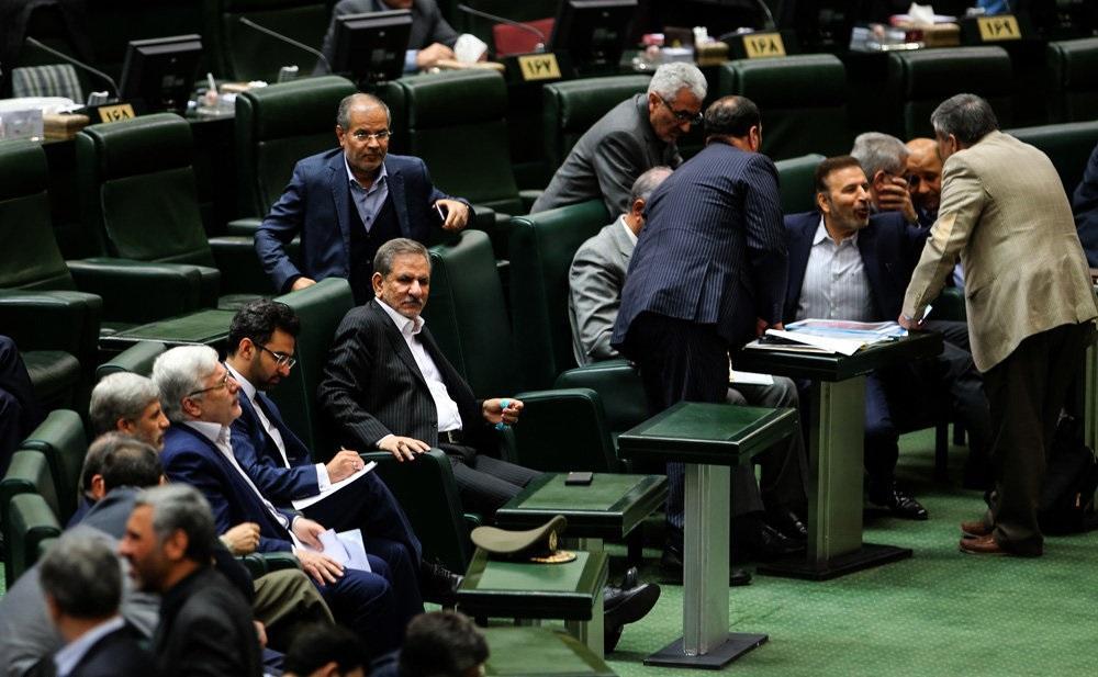 استیضاح دو وزیر حسن روحانی / علی ربیعی، وزیر تعاون، کار و رفاه اجتماعی باقی ماند