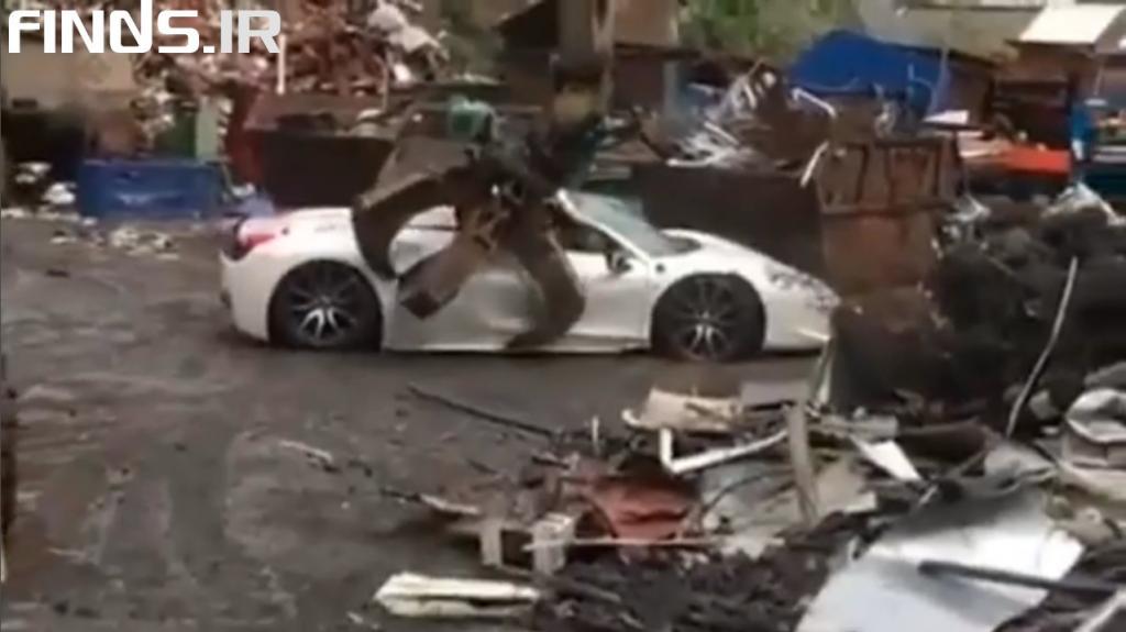 نابود کردن سوپر ماشین فراری توسط پلیس انگلیس را تماشا کنید