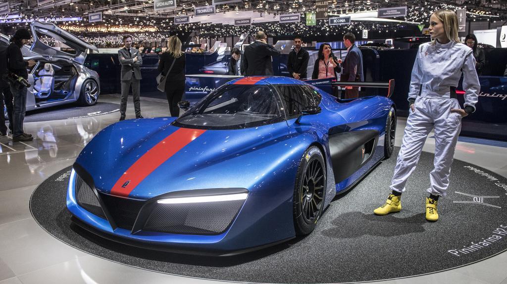 ویدیویی تماشایی از رونمایی سوپر ماشین پینینفارینا H2 را تماشا کنید