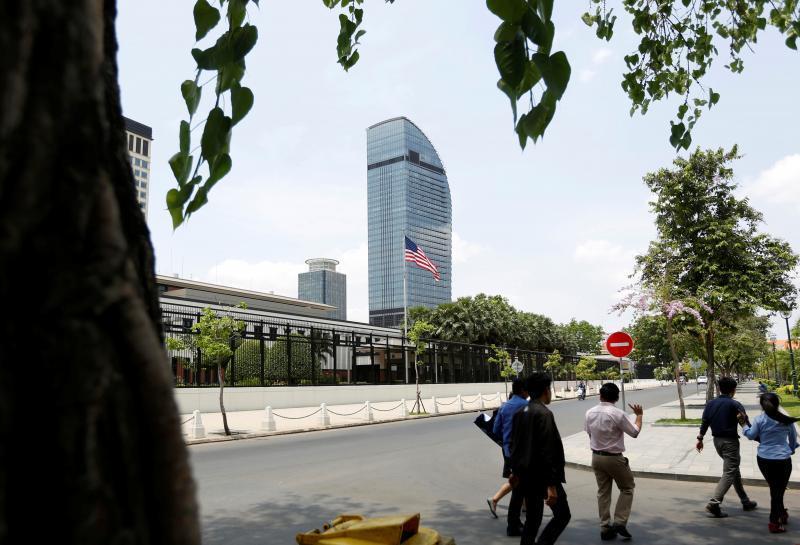 اخراج بی سابقه کارمندان سفارت آمریکا در کامبوج