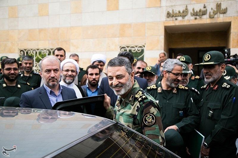 حمایت کامل فرمانده ارتش، از سپاه / واکنشی به سخنان روحانی، یا هشدار به اسرائیل؟