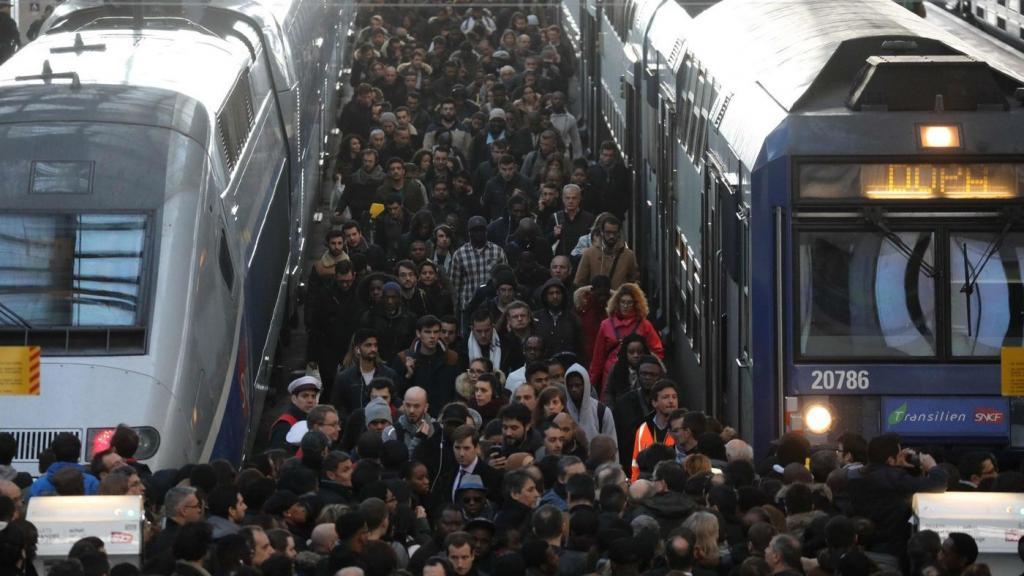 ضرر 300 میلیون یورویی فرانسه از اعتصاب های کارکنان راه آهن