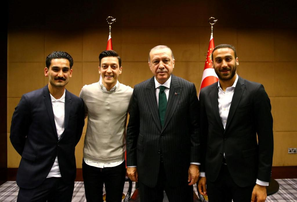 دیدار دو بازیکن تیم ملی آلمان با اردوغان جنجال رسانه ای به پا کرد