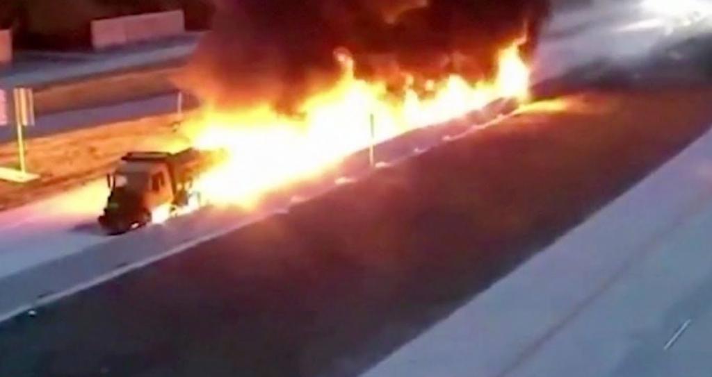 ویدیویی از لحظه انفجار یک تانکر سوخت در تگزاس را تماشا کنید