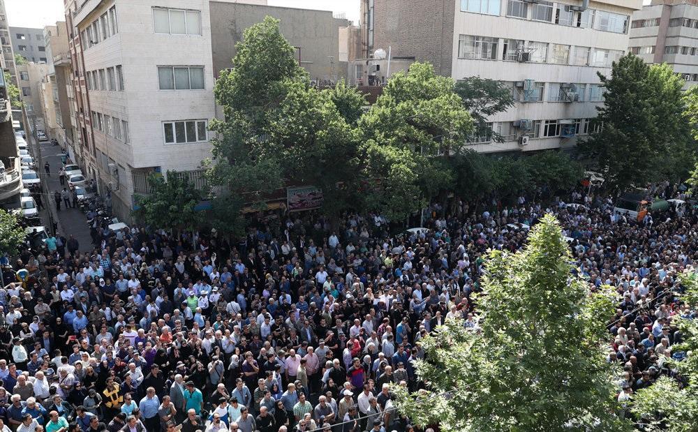 حواشی مراسم تشییع ناصر ملک مطیعی