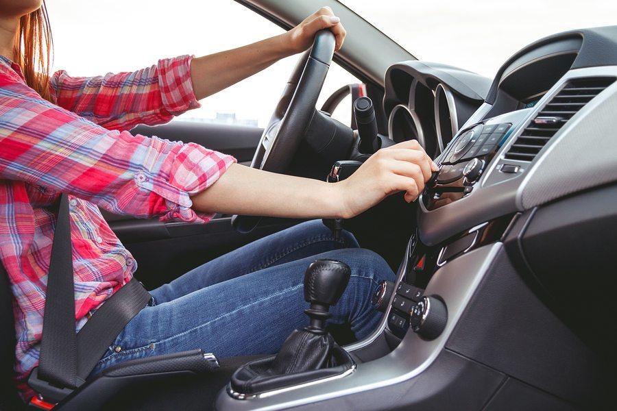 چگونه از کولر خودرو مراقبت کنیم؟ / روش صحیح استفاده از کولر خودرو