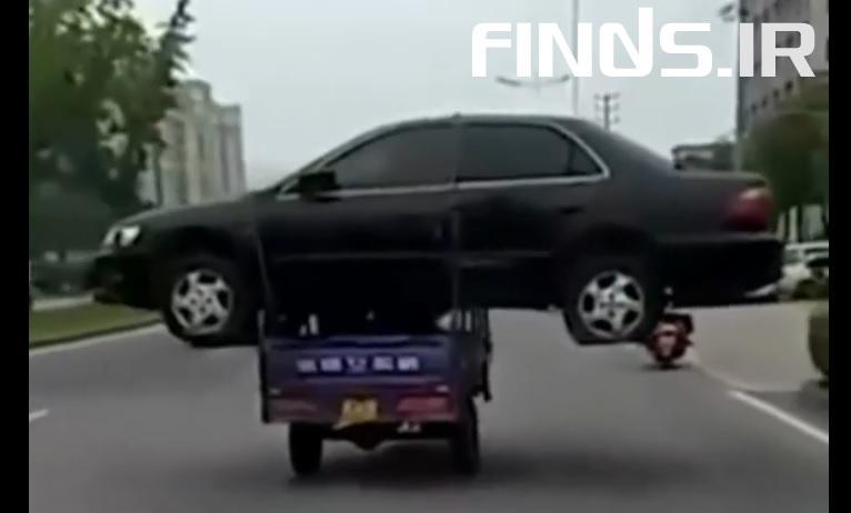 عجیبترین روش حمل خودرو!!
