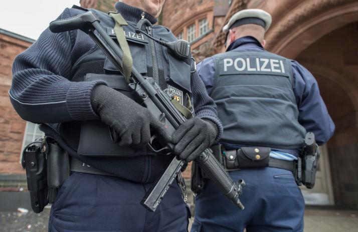 حکم بازداشت دیپلمات ایرانی در آلمان تمدید شد