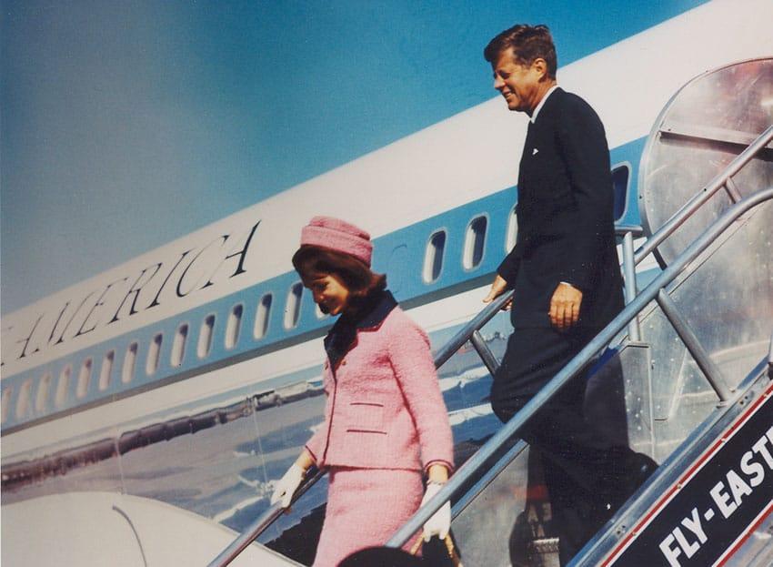 جان اف کندی و همسرش