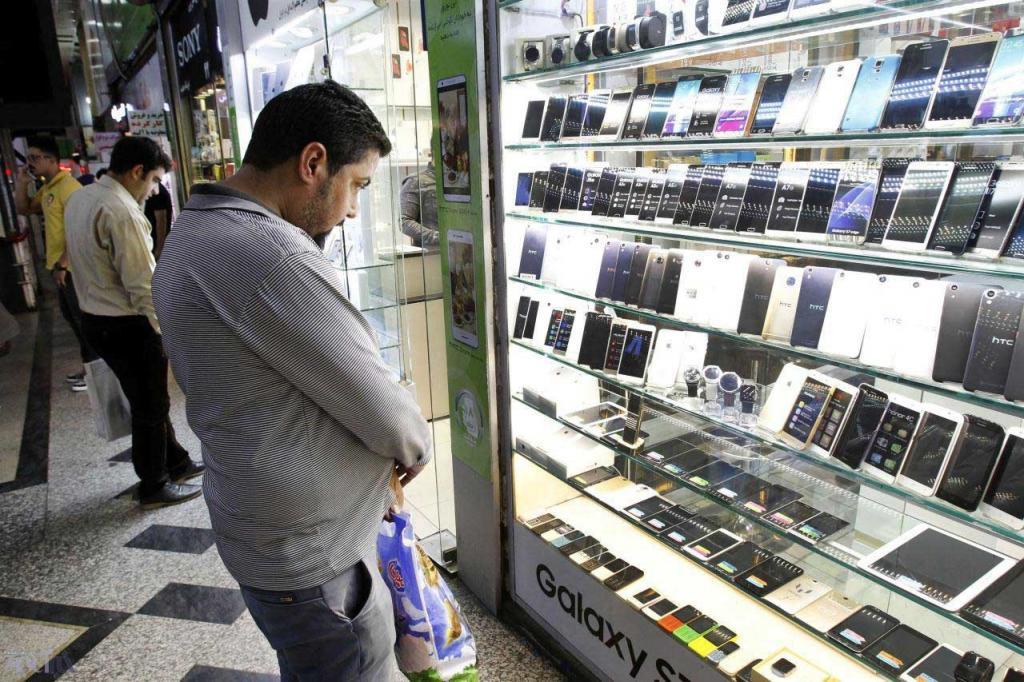 فروش موبایل در بازار به شدت کاهش یافت!
