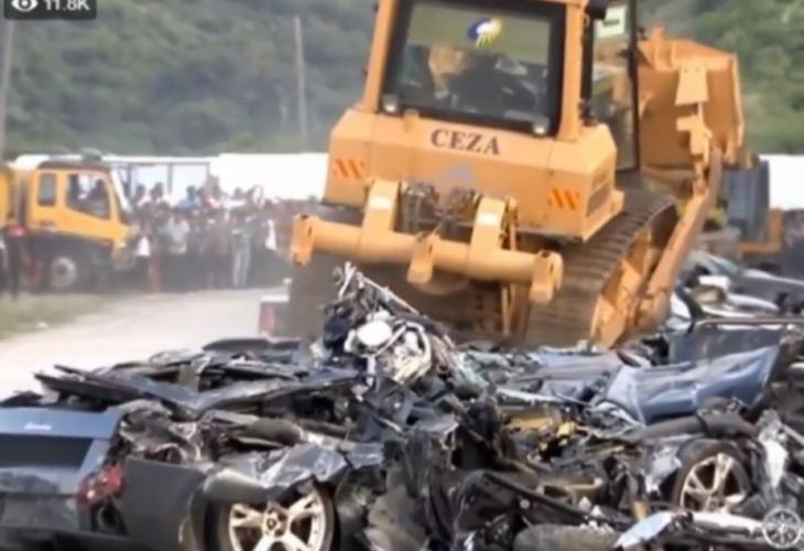 نابود کردن لوکس ترین خودروهای جهان، با بولدوزر جلوی چشم آقای رئیس جمهور!