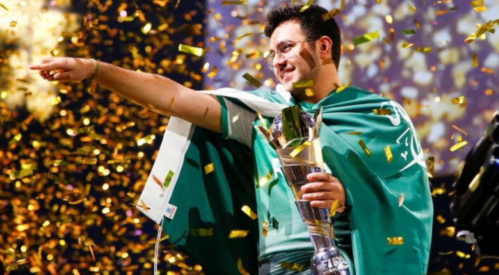 جایزه بزرگ بازی جام جهانی فیفا به جوان عربستانی رسید