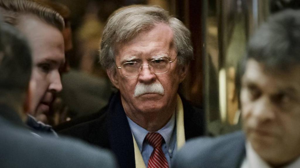 جان بولتون، تهدید ایران برای بستن تنگه هرمز را بلوف خواند
