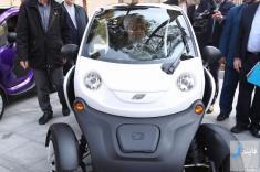حسن روحانی درون یک خودروی برقی!