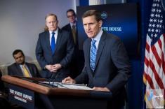 تماسهای مشکوک مشاور امنیت ملی آمریکا با سفارت روسیه