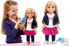 عروسکی که از صاحب خانه جاسوسی می کند
