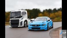 رقابت کامیون ولوو با سواری ولوو S60 را تماشا کنید
