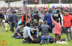 درگیری خونین هواداران نساجی مازندران و خونه به خونه بابل + عکس و ویدیو