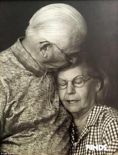پایان یک عشق 69 ساله / ماجرای مرگ زن و شوهر آمریکایی در یک روز