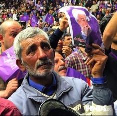ایران خودرو به یک پیرمرد دست فروش وانت ال 90 هدیه داد