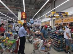 هجوم قطری های به فروشگاه ها پس از قطع روابط عربستان سعودی