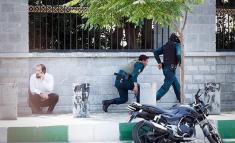 داعشی ها با لباس مبدل زنانه وارد مجلس شدند + تصاویر مختلف