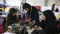 جذب دانشجویان افغانی و عراقی برای پر کردن صندلی دانشگاههای ایران